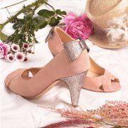 Escarpin en velours vieux rose, paillettes multicolores